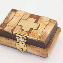 Κουτάκι με ξύλο και χαλκό.